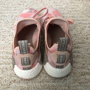 Adidas zapatos NMD XR1 Pato rosa Camo poshmark